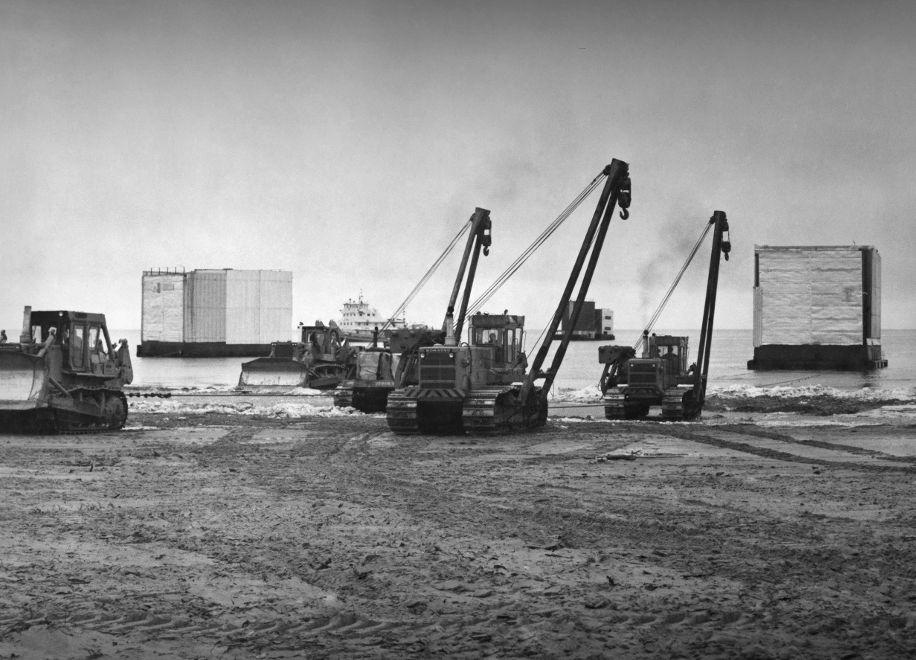 Transportation of superblocks, 1985